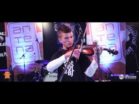 Glazbom reci stop maltretiranju - GŠ Vatroslav Lisinski - U2 - Ordinary love (live) - YouTube