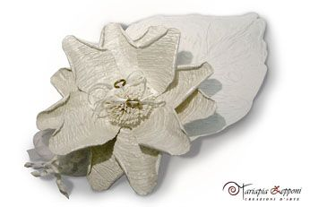 Handmade paper wedding ring holder Amazing wedding accessories by Mariapia Zepponi Italy