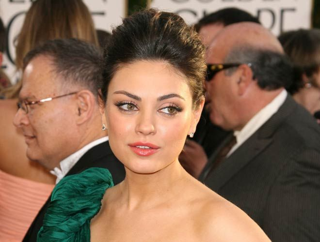 Actress Mila Kunis's pregnancy wear is so stylish that she is tagged as the most fashionable pregnant woman. american actress Mila Kunis tagged as stylish. (mila kunis pregnant) (mila kunis eyes) (mila kunis movies) (mila kunis no makeup) (mila kunis sexy) #milakunisonellen #milakunisbiography #milakunismovie #milakunishairstyles #milakunisbootcamp