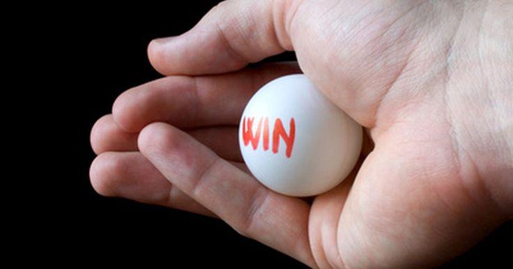 ¿Cómo funciona el juego Power Play de Powerball?. Powerball es un juego de lotería muy popular en Estados Unidos disponible en 42 estados de ese país, así como en Washington D.C y las Islas Vírgenes. Power Play es una apuesta adicional con el potencial de multiplicar las ganancias de un jugador.