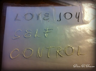 how to make puffy paint letters.