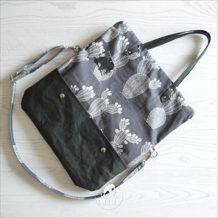 """Borsa """"Ficalinni"""" covertibile shopping bag e messenger, 2 in 1, canvas e snappap grigio SCURO e nero, stampa """"cactus"""" di SmartmamaLab su Etsy"""