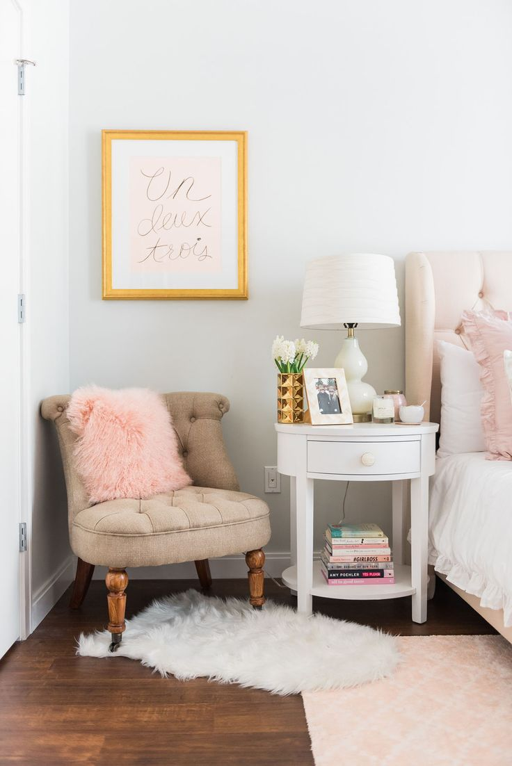 Bedside table decor pinterest - Blogger Jessica Sturdy Of Bows Sequins Shares Her Chicago Parisian Chic Bedroom Design