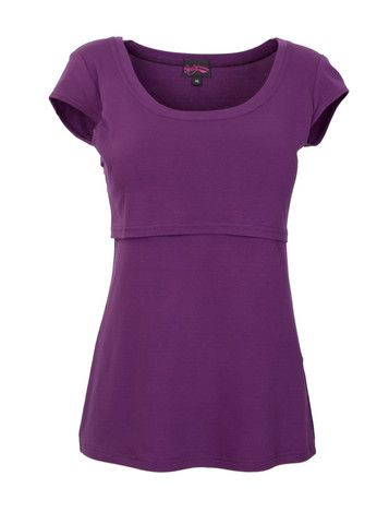 choose the right nursing top to make breastfeeding easy