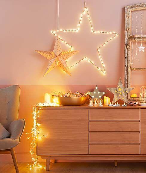 Przyjemny świąteczny czas: dekoracje, odzież rekreacyjna...