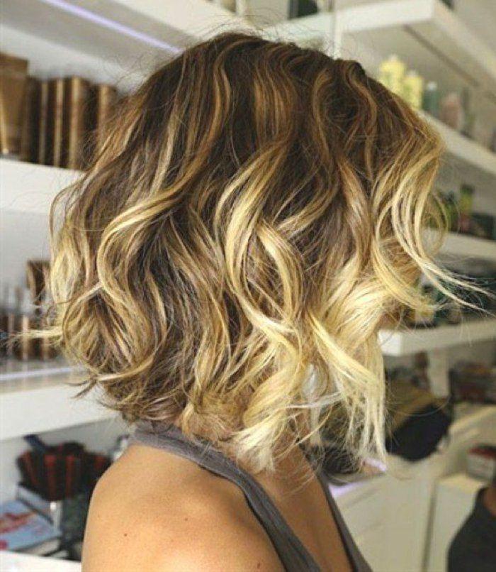 La couleur cheveux blond foncé
