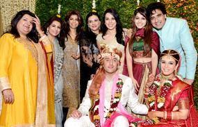 _Deepika-Gehani-Zeba-Kohli-Pooja-bedi-her-daughter-Aalia-and-Karan-Oberoi-