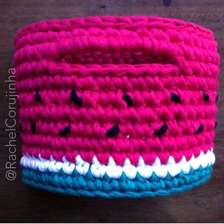 #RachelCorujinha #feitoamao #handmade #crochê #crochet  #fiodemalha #fioecologico #fioreciclado #trapilho #trapillo #euquefiz #ideias #bastex #fiosguaranisempre #malhafio #artecomeuroroma #melancia #watermelon