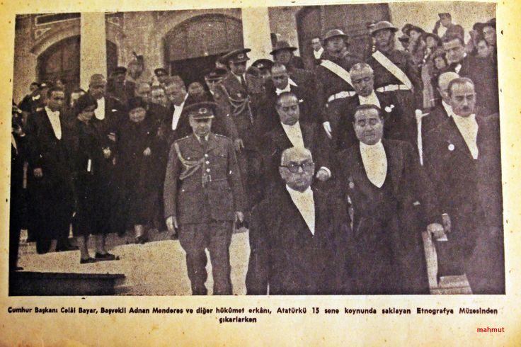 Atatürk'ün Anıt Kabire nakli sırasında yapılan Devlet Töreni...
