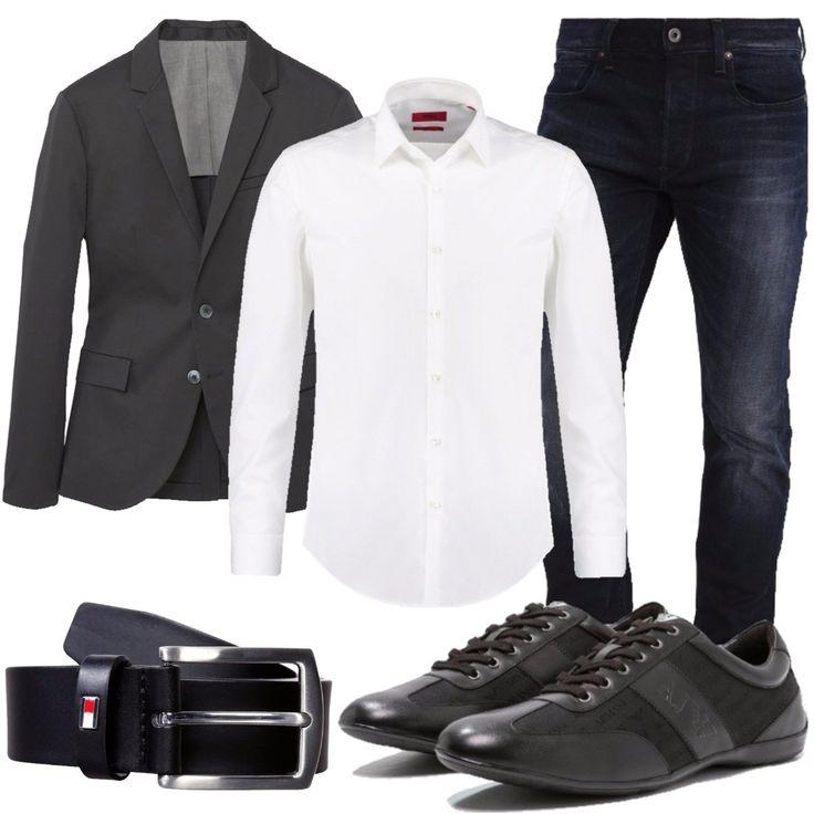Outfit adatto a più occasioni. Composto da: camicia bianca slim fit con colletto kent, giacca nera con tasche laterali, jeans slim fit blu, sneakers basse del brand Armani Jeans in pelle e tessuto con logo, cintura nera in pelle con fibbia.