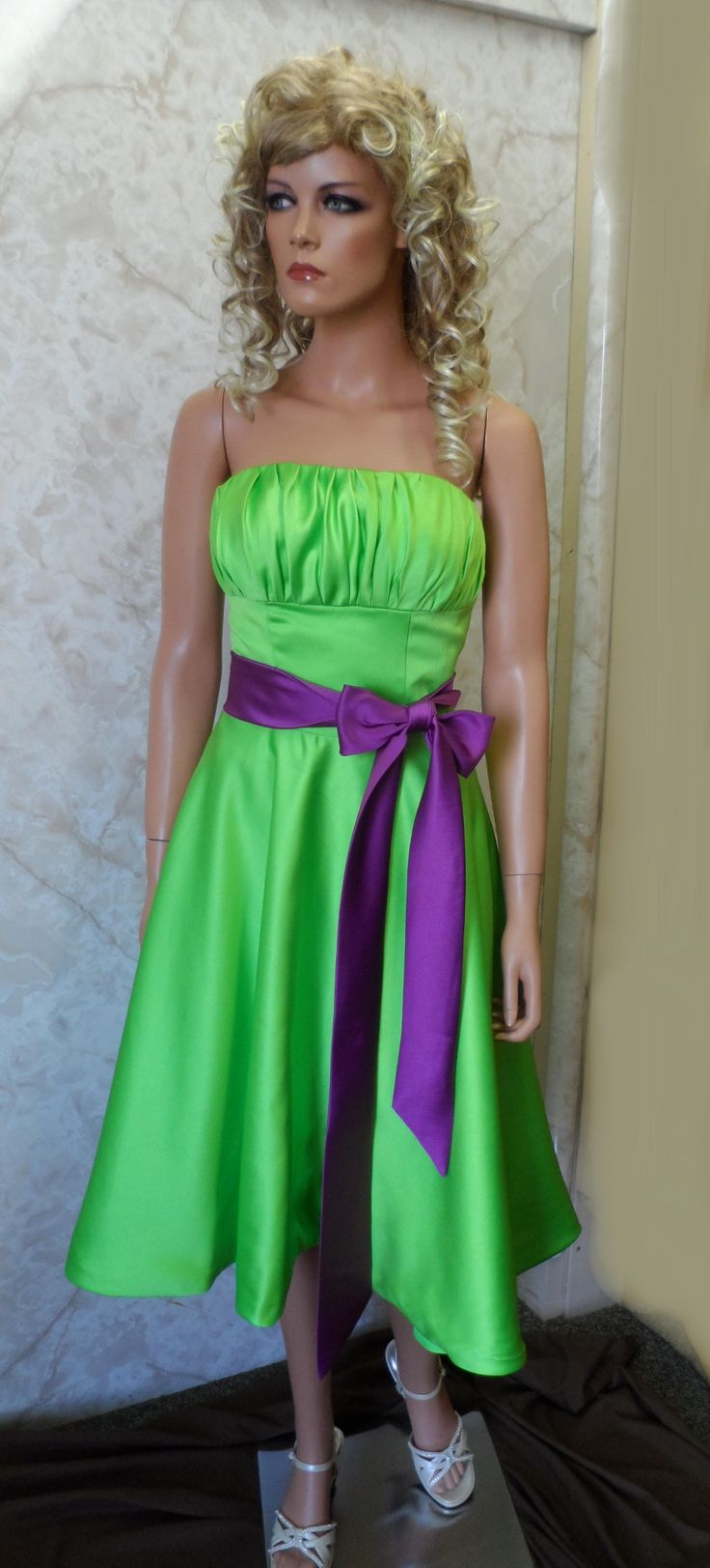 purple+and+green+wedding | short green bridesmaid dress with purple sash