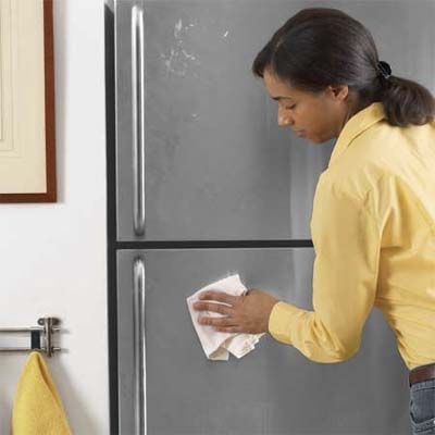 Keep appliances fingerprint-free with wax: Cleaning Tipsnips, Homes Cleaning, Green Clean, Organizing Ideas, Banish Fingerprints, Kitchen Storage Cleaning Tips, Clean Homes, Stainless Steel