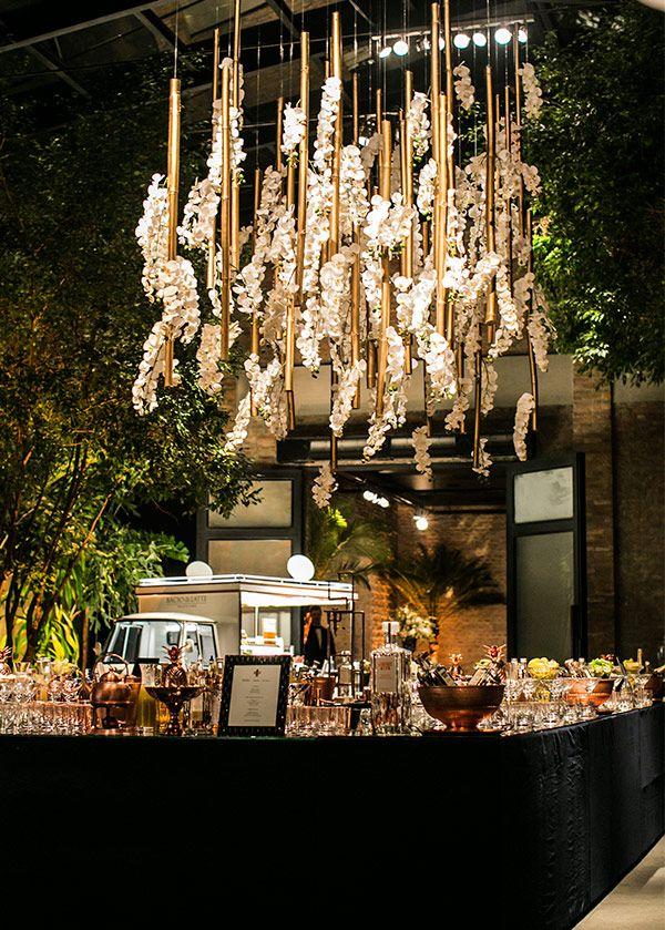8 decorações aéreas com orquídeas para o casamento - Constance Zahn | Casamentos
