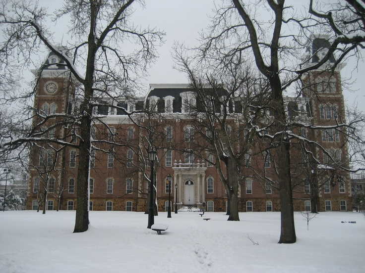 Old Main, University of Arkansas, Fayetteville, AR...one of my fav places in Fayetteville. I do miss being there!
