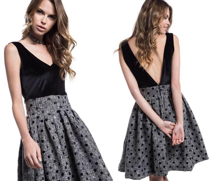 Φόρεμα με βελούδινο μπούστο & πουά φούστα > http://bit.ly/2iaeBdM