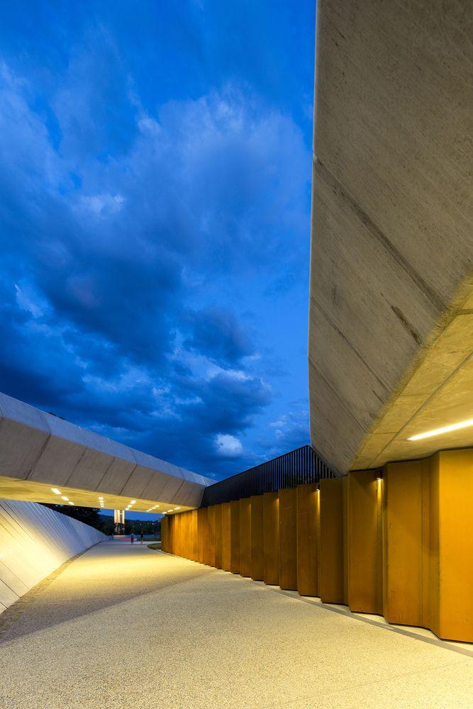Galería de Paseo Peatonal Bowen / lahznimmo architects - 4