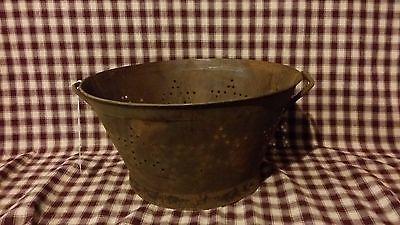 Rusty Tin Punched Star Colander/Basket, Primitive, Rustic Bowl, Farm