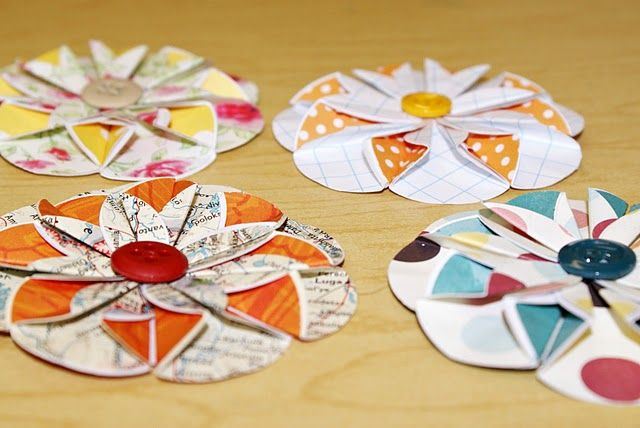 simple paper flowers to make for scrapbook pages, cards, gift wrap... whatever!