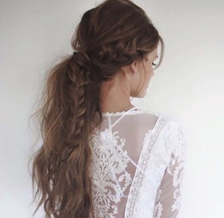 30 enkle og romantiske brudefrisyrer | Costume.no