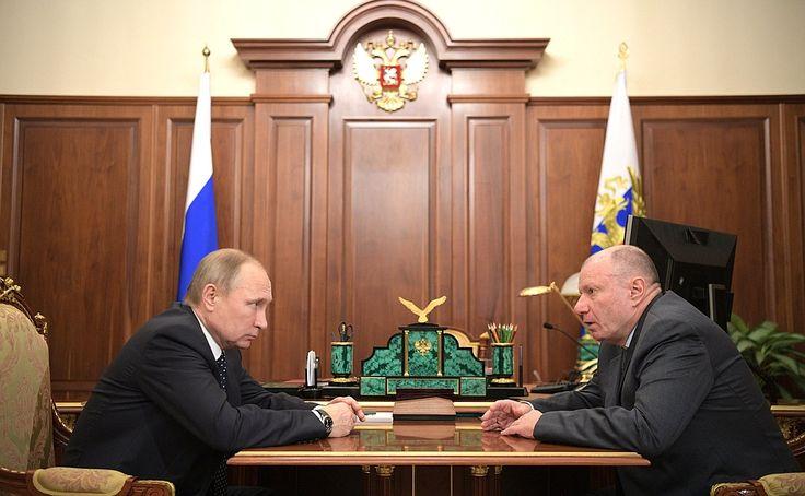 Vladimir Putin with Norilsk Nickel CEO Vladimir Potanin.