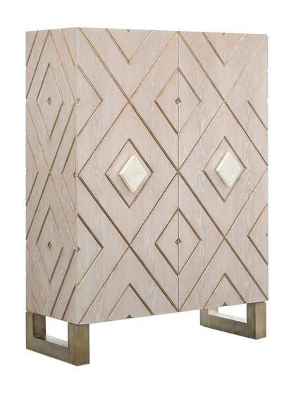 AMAZING CABINET | Beautiful rhombus cabinet in light wood | www.bocadolobo.com | #luxurycabinets #modernbuffets