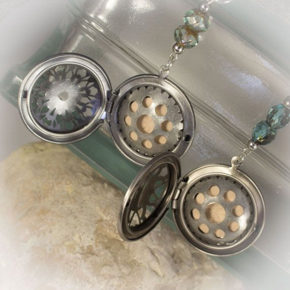 Ultimate Essential Oils locket with diffuser by LaraBellaJewelry