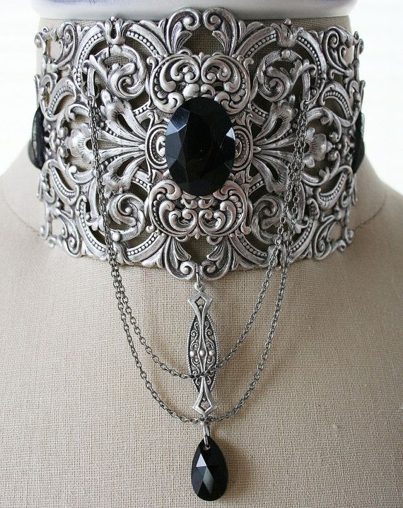 THE COUNTESS Victorian romantic gothic choker in aged silver with black crystal, free earrings