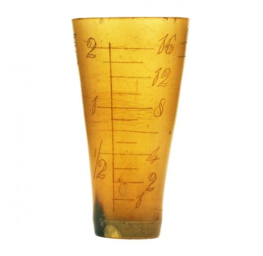 horn-measuring-cup