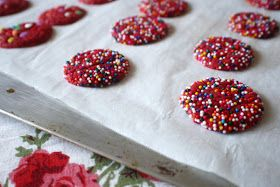 scrumdillydilly: be my valentine: red velvet shortbread bites