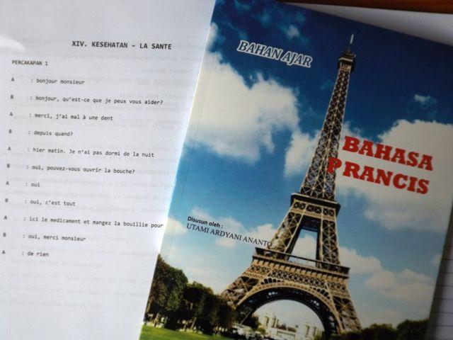 Bahasa Prancis SMK tentang Tenses dan Percakapan Kesehatan