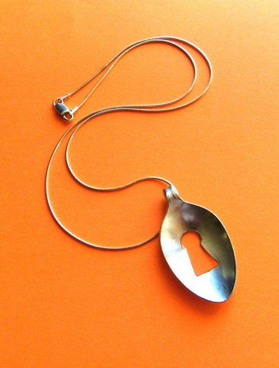 Articoli simili a Collana di KeyholeZ piccolo cucchiaio argenteria - argenteria gioielli su Etsy
