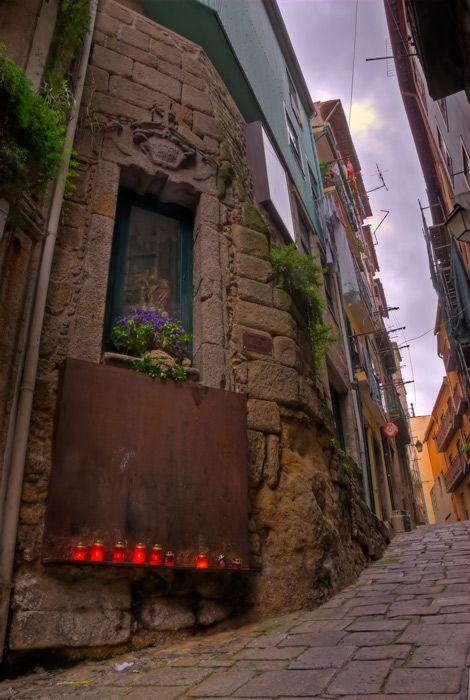 Rua Sant'Ana, Porto, Portugal