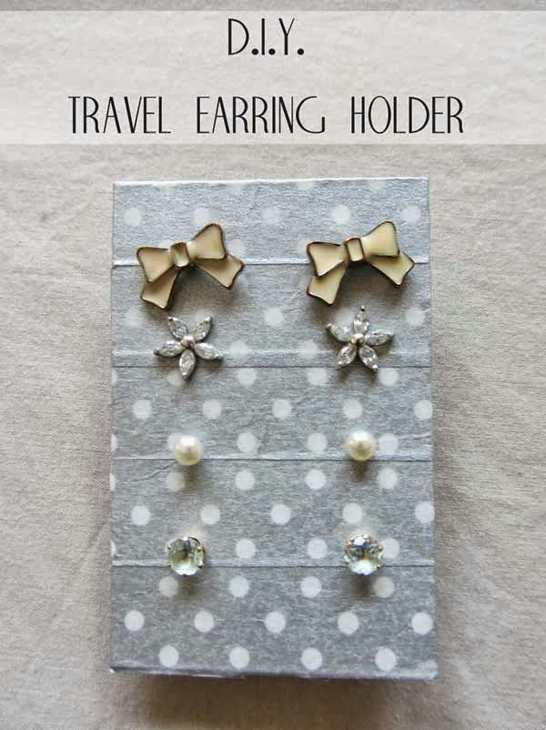 DIY travel earring holder: Travel Storage, Travel Diy'S, Diy'S Projects, Earrings Holders, Jewellery Storage, Jewellery Travel, Bumble Bees, Diy'S Travel, Travel Earrings