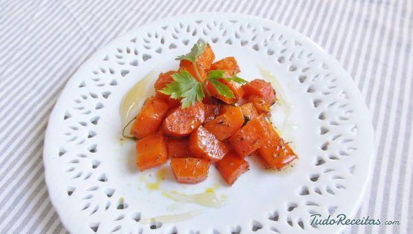 Receita de Cenoura assada com mel