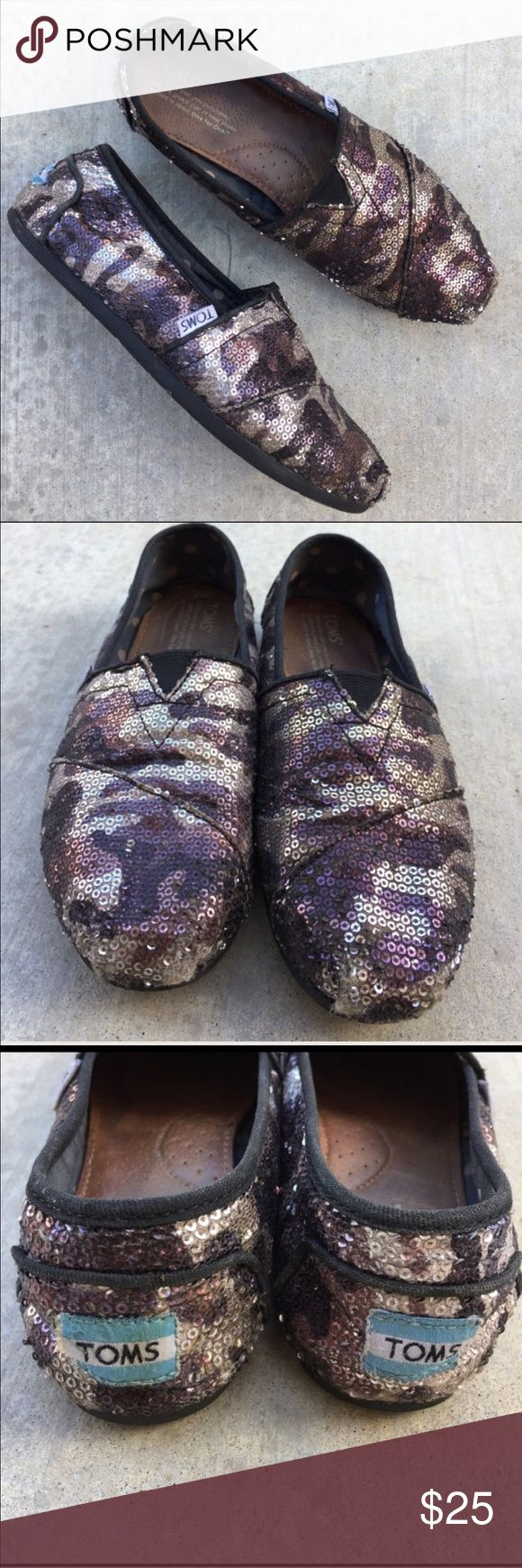 TOMS purple Camo & sequins shoes Gently worn , size 7, some missing sequins in front toe area and back heel , not noticeable 🌟MAkE A REASONABLE OFFER🌟 TOMS Shoes