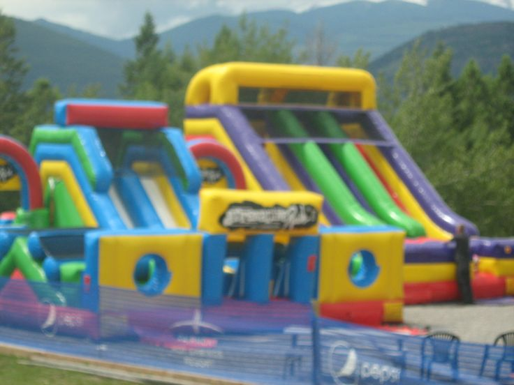 Bouncy castles at Base Camp #FairmontHotSpringsResort #basecamp #BCRockies #adventure #daycamp #fun #kids