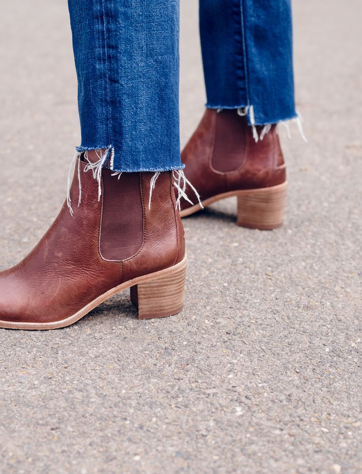 madewell frankie chelsea boot worn with the perfect vintage jean.