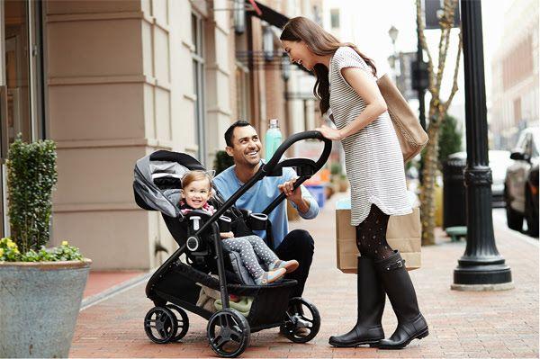 """Conoce un """"sistema de viaje"""" para llevar con seguridad al bebé - http://plenilunia.com/noticias-2/conoce-un-sistema-de-viaje-para-llevar-con-seguridad-al-bebe/43505/"""