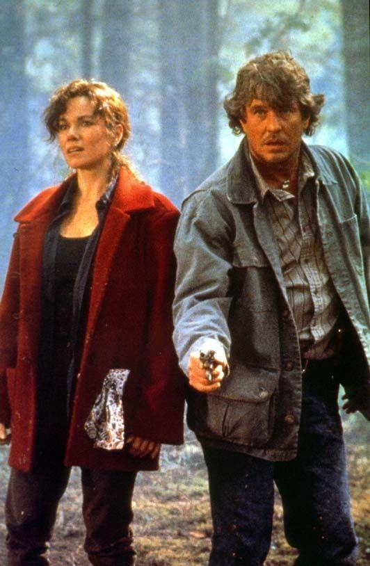 Tom Berenger, Barbara Hershey  - L'ultimo cacciatore  1995