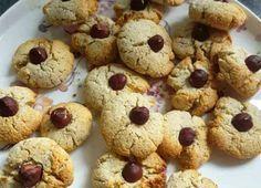Ett LCHF-recept på nötkakor helt utan socker och sötningsmedel. Bara rena ingredienser som ger jättegoda kakor. Perfekt för dig som äter LCHF/lowcarb.