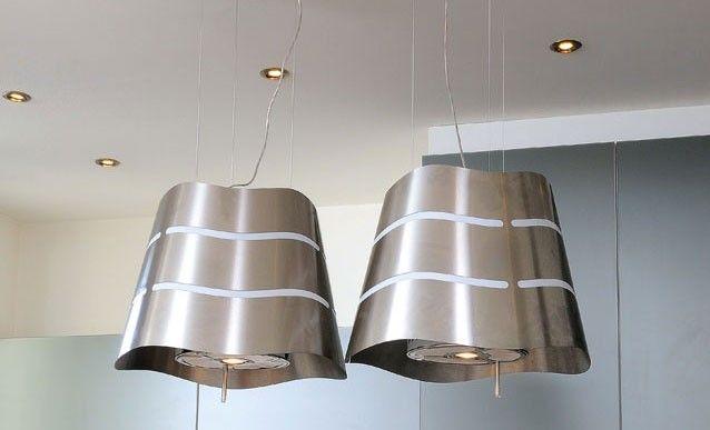 Les étapes pour installer une hotte suspendue : http://www.systemed.fr/conseils-bricolage/decoration-mobilier/cuisine-installer-hotte-suspendue,2065.html (Hotte suspendue design - Wave d'Elica)
