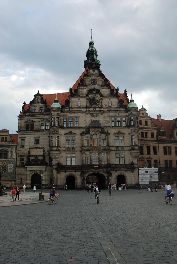 Georgenbau, Renaissance palace