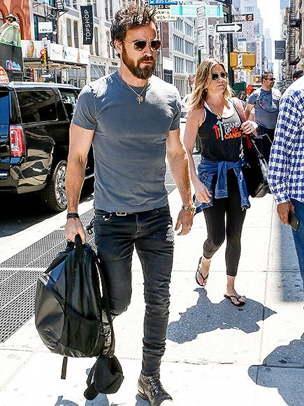 Jennifer Aniston Goes Shopping in N.Y.C. with Husband Justin Theroux - http://celebparse.co.uk/2016/06/19/jennifer-aniston-goes-shopping-in-n-y-c-with-husband-justin-theroux/