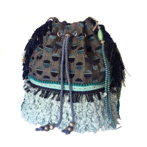 Grote buideltas franje, handtas blauw turquoise, tas met nep bont, tas handgemaakt OOAK, exclusief cadeau dames, tassen van stof