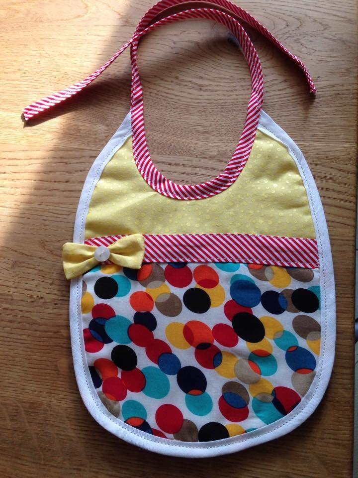 Süßes Lätzchen von Elisabeth nach meinem Freebook: http://www.kreativlaborberlin.de/naehanleitungen-schnittmuster/suesse-baby-laetzchen-in-3-varianten/