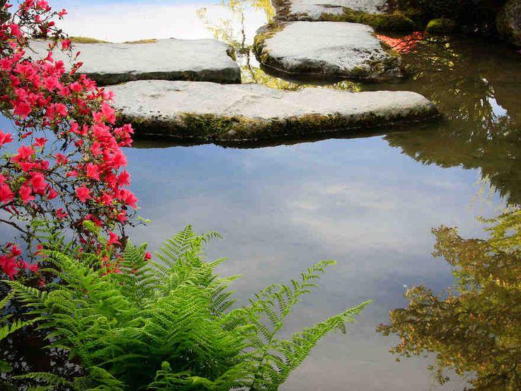 Japanilaisen puutarhan pelkistetty ja luonnonläheinen tyyli sopii hyvin myös suomalaiseen puutarhaan.