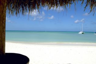 #aioutlet  Look @ that beach and water!!!!!  #Aruba Allinclusiveoutlet Reservations #resort