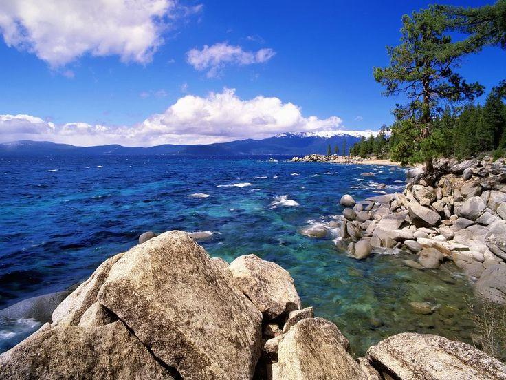 Озеро Тахо на границе штатов Калифорния и Невада