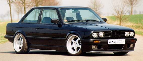 Our old e30... Sold in 2001 with Special Folger rims and Koni Suspension.