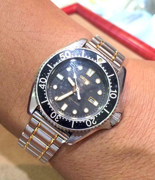 ★大地 肇 様/セイコー ダイバーズウオッチ ☆中学校の入学祝いとして、祖父母が買ってくれた時計。12歳の時なので、あれから30年以上…今でも動いているし、現役で大事に使っています!だいぶ傷もついてきたけど、それが歴史を感じさせてくれる、とても大切な時計のひとつです!  〝人生の節目に腕時計を〟